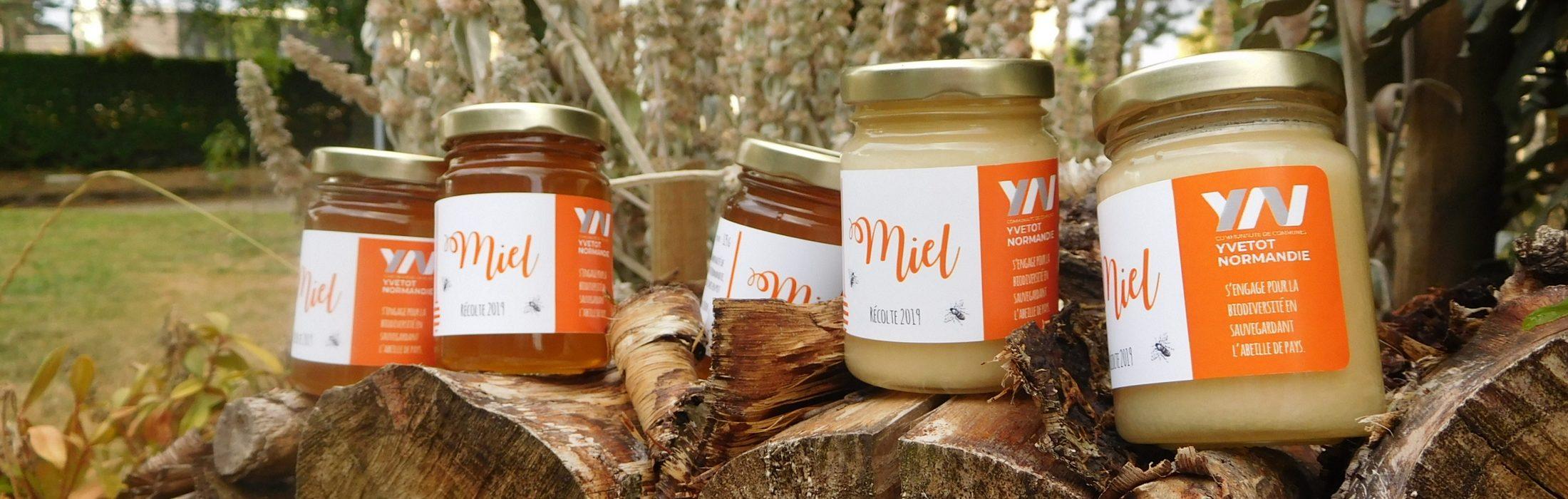 La boutique d'Yvetot Normandie Tourisme vous propose une sélection d'idées cadeaux, de souvenirs de produits gourmands ainsi qu'une 1