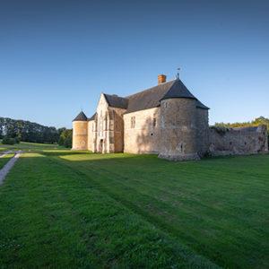 Laissez-vous conter la plus ancienne demeure seigneuriale de Normandie